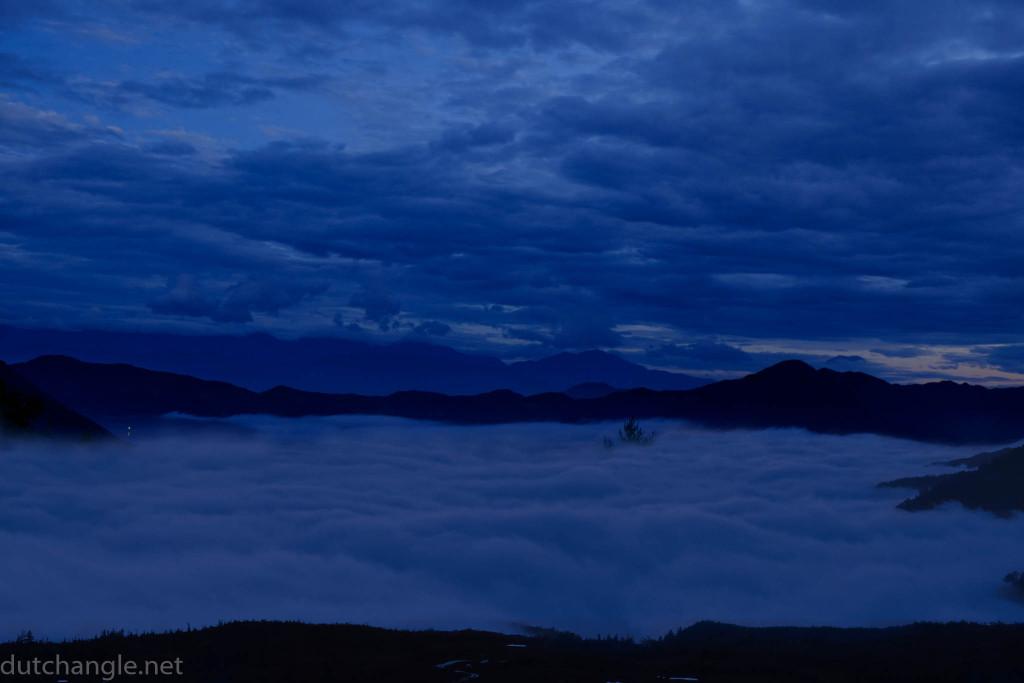 150830 blue hour 雲海